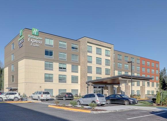 Auburn Holiday Inn Express & Suites